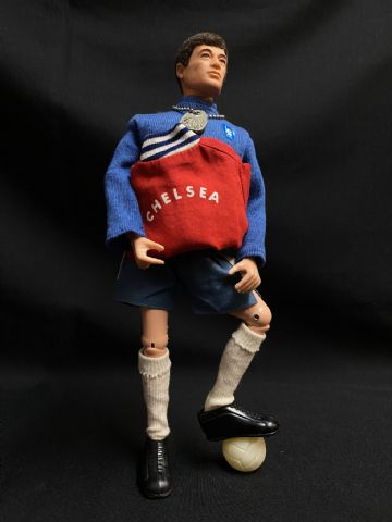 VINTAGE  ACTION MAN - CHELSEA FOOTBALLER